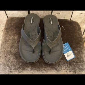NWT, OKABASHI Black Flip Flops/Sandals